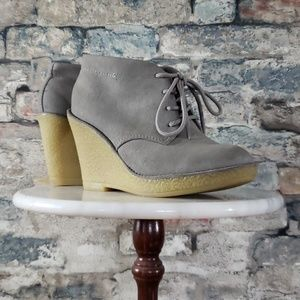 OLD NAVY Gray Faux Suede Wedge Ankle Boot Size 8